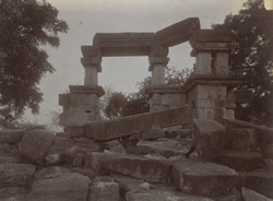 General view of ruined temple, Nunar, Jhansi District 1003819